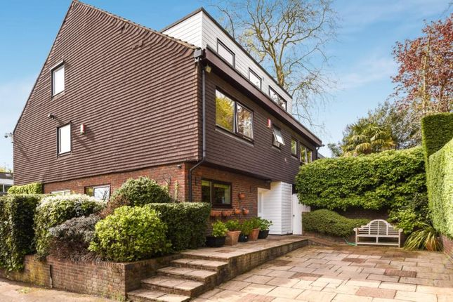 Thumbnail Semi-detached house for sale in Vineries Bank, Mill Hill