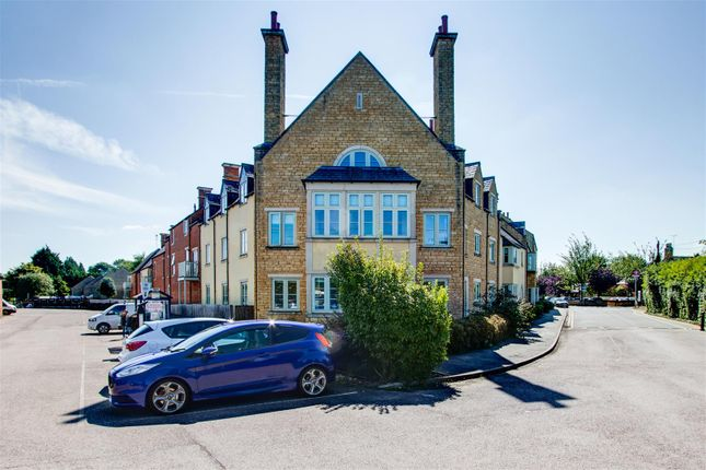 Thumbnail Flat for sale in Station Road, Moreton-In-Marsh