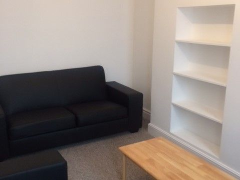Thumbnail Maisonette to rent in Pitshanger Lane, London
