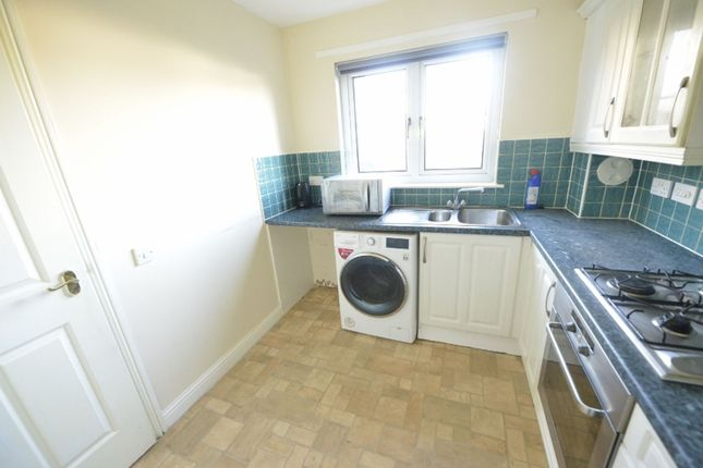 Kitchen of Hardridge Road, Glasgow G52