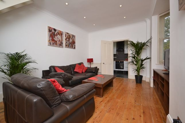 1 Bed Part Furnished Flat East London