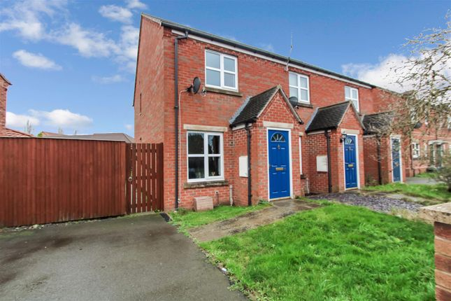 Thumbnail Semi-detached house to rent in Greyfriars Close, Scunthorpe