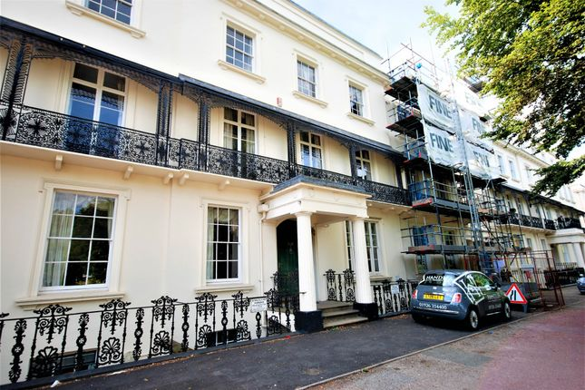 Thumbnail Flat to rent in 12-13 Clarendon Square, Leamington Spa, Warwickshire