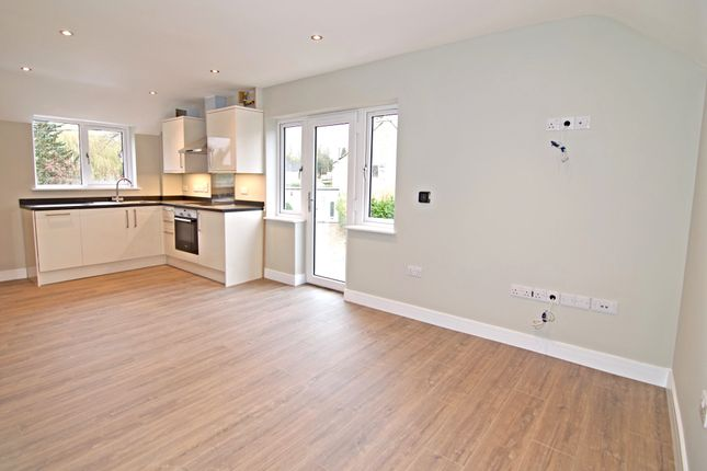 Thumbnail Studio for sale in Ascott Road, Shipton-Under-Wychwood, Chipping Norton
