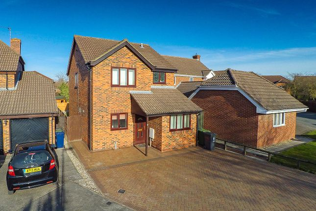 Thumbnail Detached house to rent in Coltsfoot Close, Cherry Hinton, Cambridge