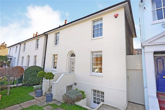 Thumbnail Detached house to rent in Greenwich South Street, Greenwich, London