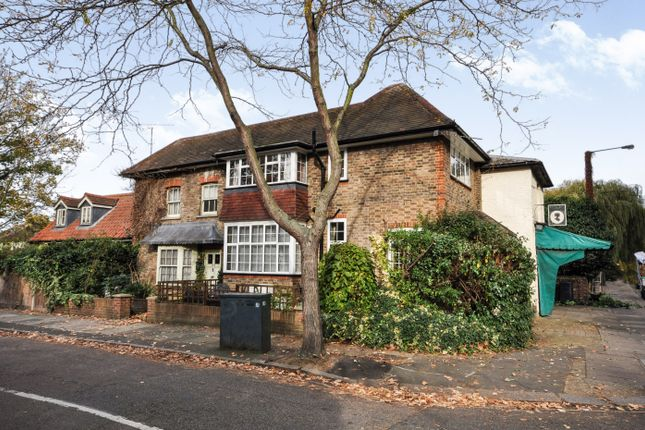 Thumbnail Cottage for sale in Richmond Road, St Margarets