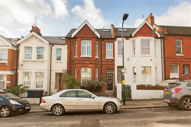 Thumbnail Terraced house for sale in Berrymead Gardens, London