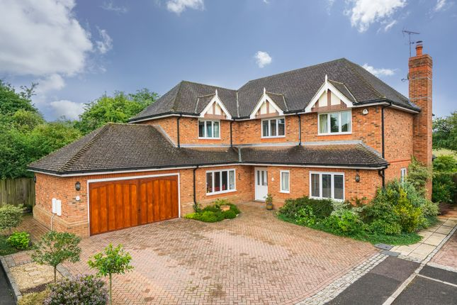 Thumbnail Detached house for sale in Dorian Close, Tring
