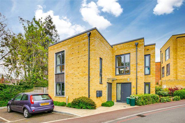 Thumbnail Maisonette to rent in London