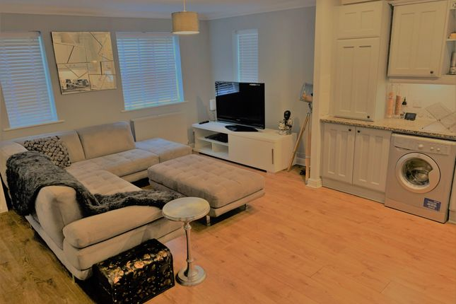 Thumbnail Flat to rent in Ancona Gardens, Shenley Brook End