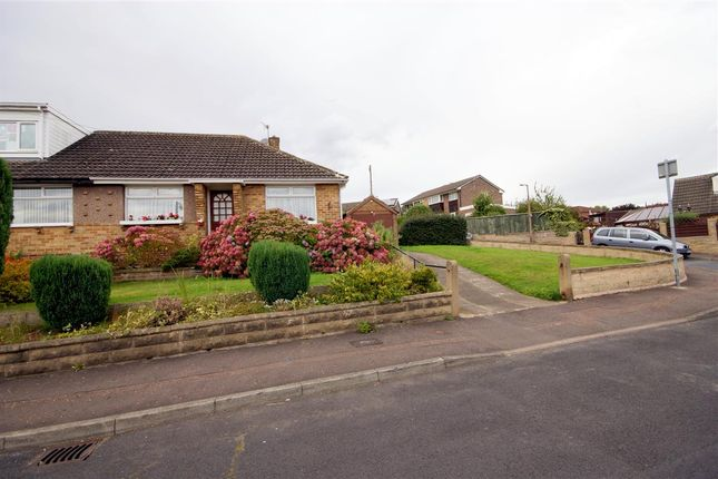 Thumbnail Bungalow for sale in Close Lea Drive, Rastrick, Brighouse