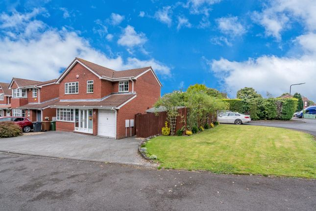 Thumbnail Detached house for sale in Muxloe Close, Turnberry / Bloxwich, Walsall