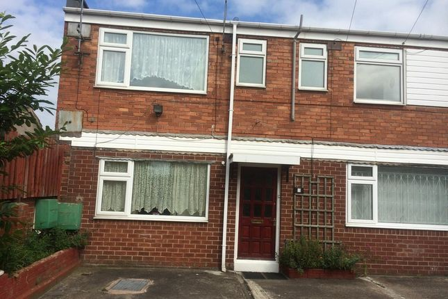 Thumbnail Flat to rent in Davis Street, Clifton, Rotherham