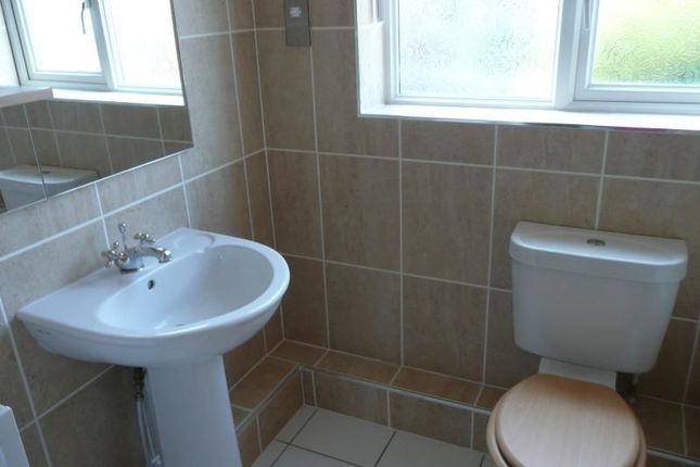 Thumbnail Semi-detached house to rent in Farm Close, Edenthorpe, Doncaster