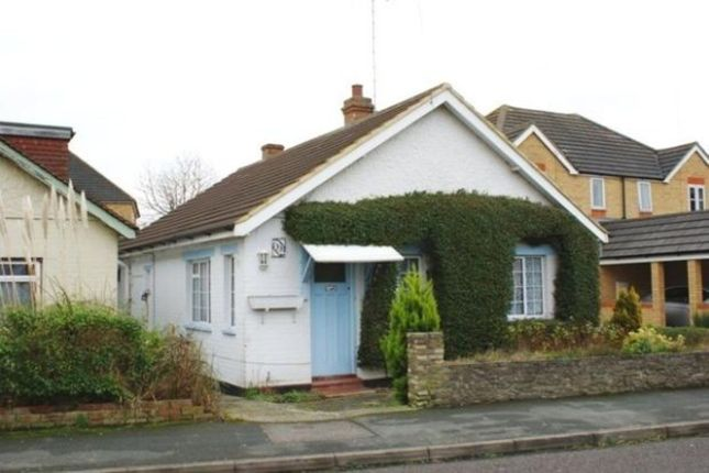 Thumbnail Bungalow to rent in Clarence Street, Egham