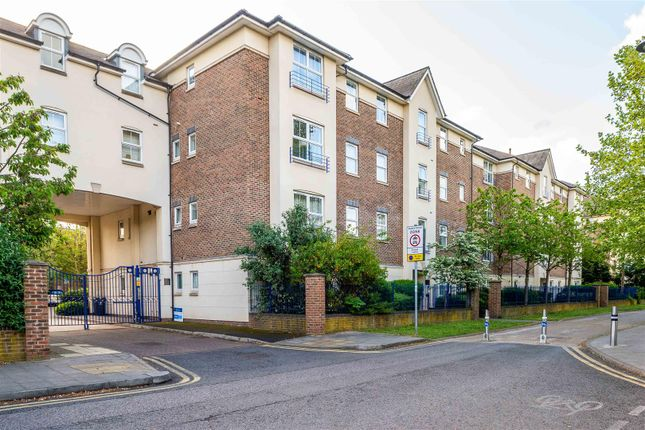 Flat to rent in Sandringham Court, Skerne Walk, Kingston Upon Thames