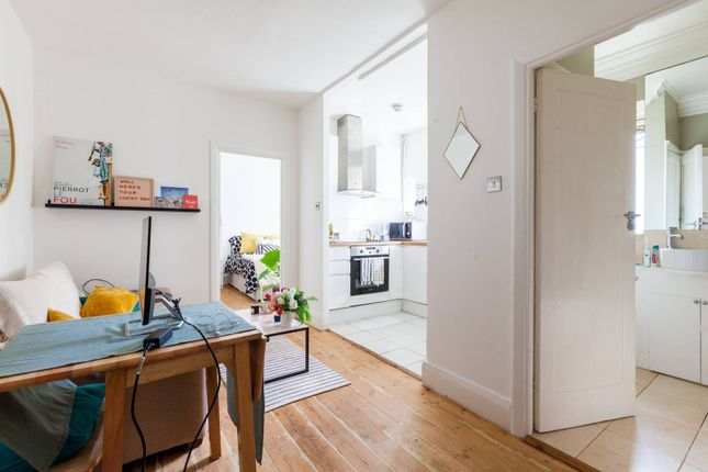 1 bed flat to rent in Clapham Road, Clapham North, London SW9
