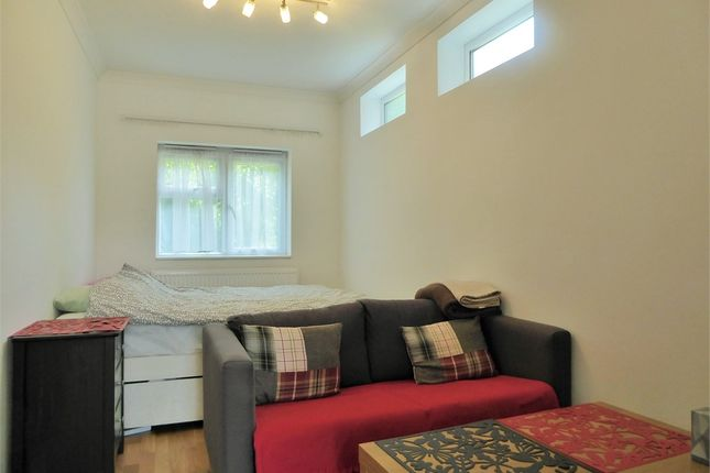 Thumbnail Studio to rent in Sunley Gardens, Perivale, Greenford, Greater London