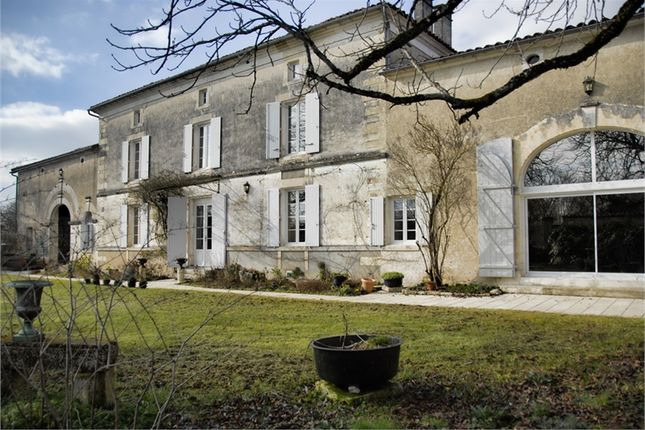 4 bed property for sale in Poitou-Charentes, Charente, Aigre