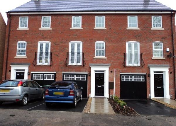 Thumbnail Town house to rent in Wharton Crescent, Beeston