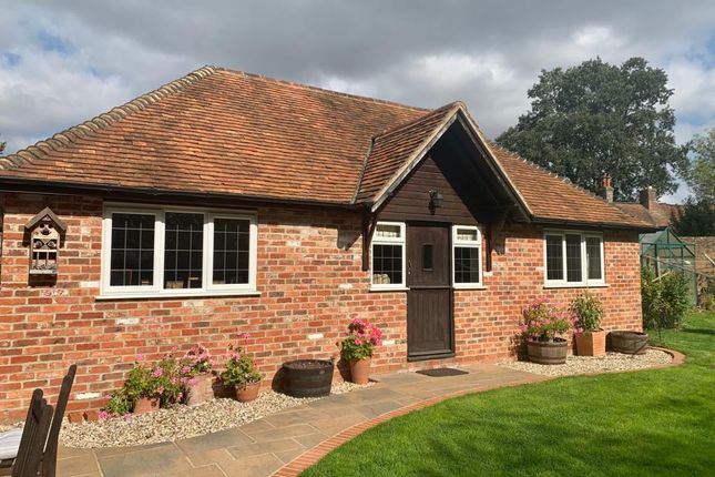 2 bed semi-detached house to rent in Chieveley, Berkshire RG20