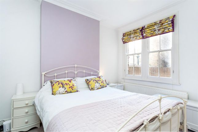 3 bed flat for sale in Stanton Road, West Wimbledon