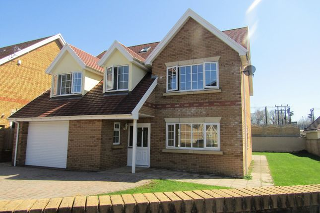 Detached house for sale in Afon-Dar Close, Aberdare