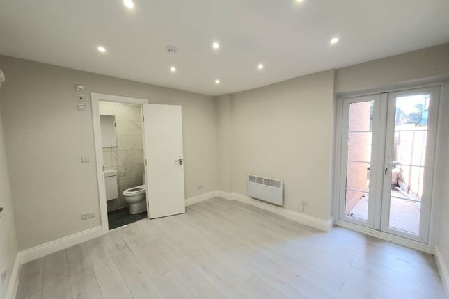 Room to rent in Clarendon Rise, London SE13