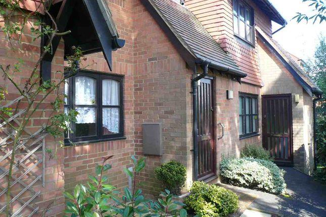 Thumbnail Flat to rent in Church Walk, Bushey