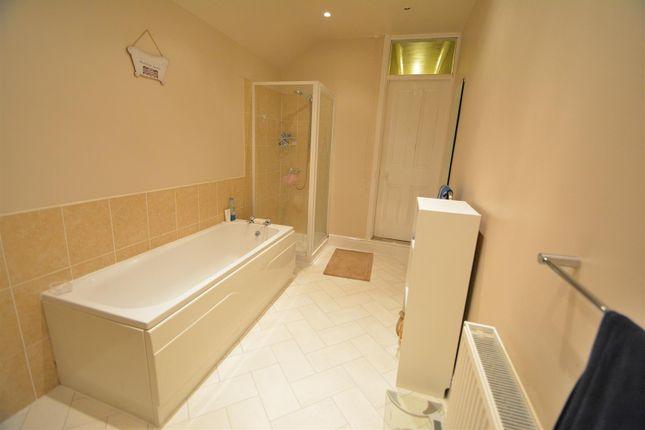 Bathroom of Tamworth Road, Long Eaton, Nottingham NG10