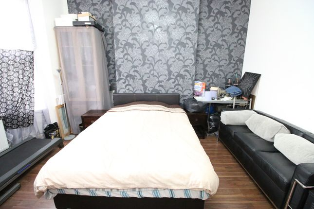 Thumbnail Detached house to rent in Hounslow, Hounslow, Middlesex