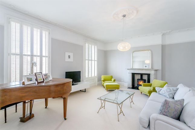 Thumbnail Town house for sale in Lansdowne Crescent, Leamington Spa, Warwickshire