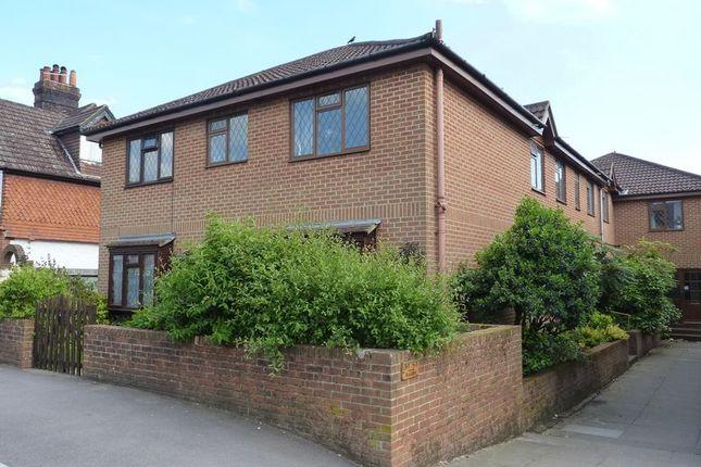 Thumbnail Flat to rent in Headley Road, Grayshott, Hindhead