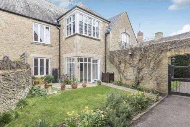 Thumbnail Flat for sale in Charlbury, Oxfordshire