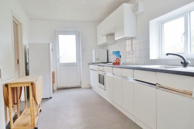 5 bed terraced house to rent in Southall Avenue, Brighton