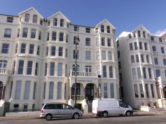 Thumbnail Flat to rent in Palace Terrace, Queens Promenade, Douglas