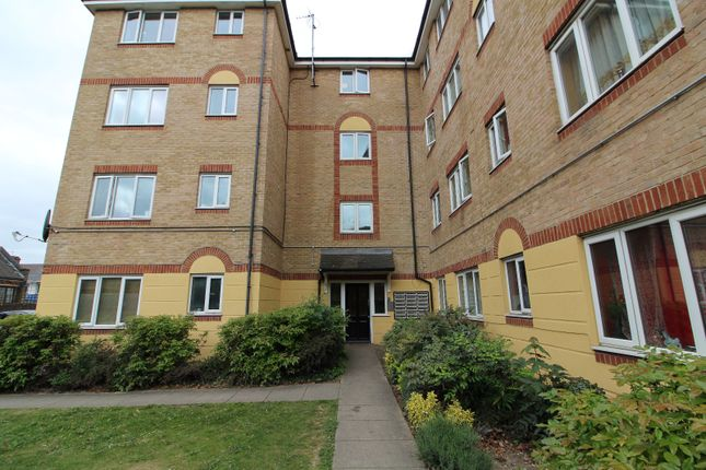 Thumbnail Flat to rent in Culpepper Close, London