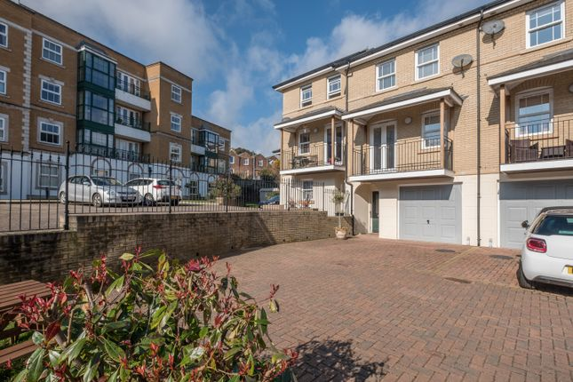 Thumbnail Town house for sale in The Maltings, Cowes, Isle Of Wight