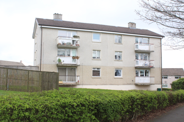 Thumbnail Flat to rent in Lindores Drive, West Mains, 1Hj