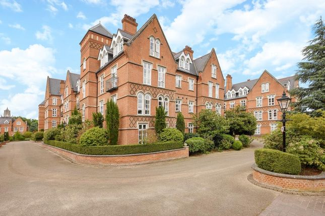 3 bed flat to rent in Holloway Drive, Virginia Water