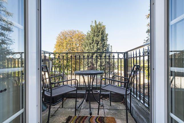 Balcony of Kew Foot Road, Richmond TW9