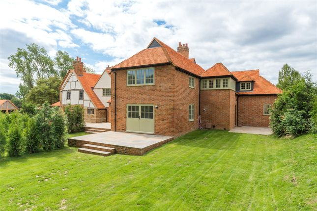 Thumbnail End terrace house for sale in Denham Lane, Chalfont St. Peter, Gerrards Cross, Buckinghamshire