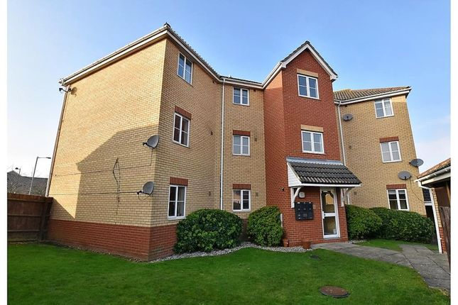 Thumbnail Flat for sale in Amcotes Place, Chelmsford