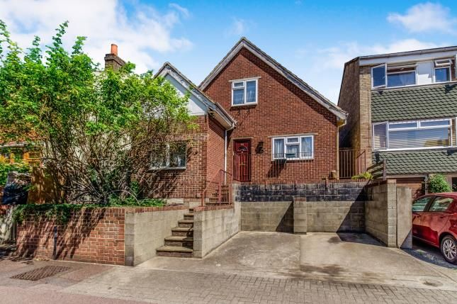 Thumbnail Bungalow for sale in Queens Road, Chatham, Kent