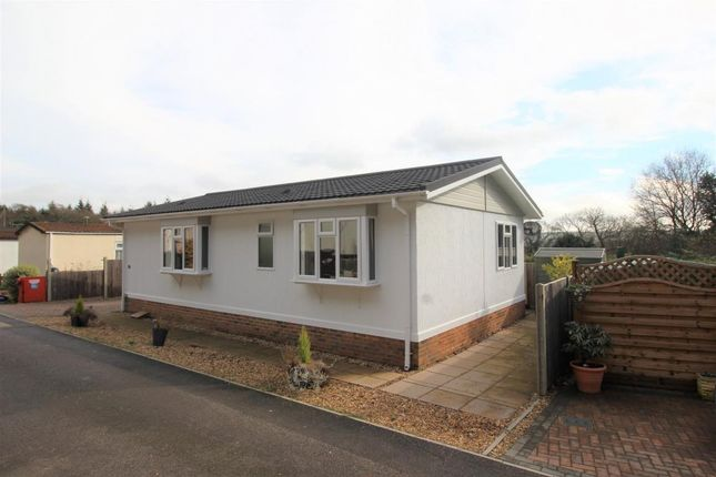 Thumbnail Mobile/park home for sale in Dolleys Hill Park, Guildford