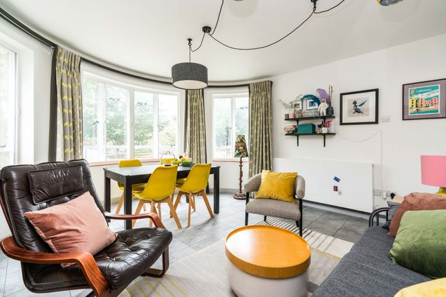 2 bed flat for sale in Champion Hill, London SE5