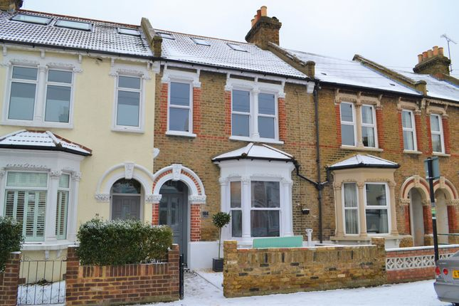 Thumbnail Flat for sale in Selkirk Road, Tooting, London