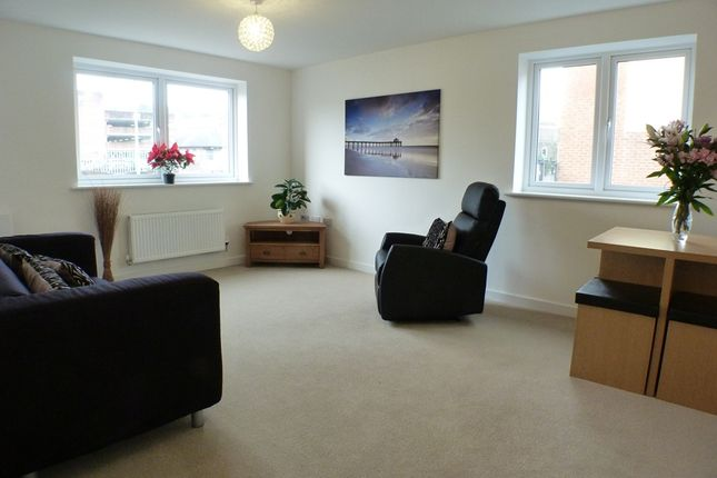 Thumbnail Flat to rent in New Cut Road, Swansea