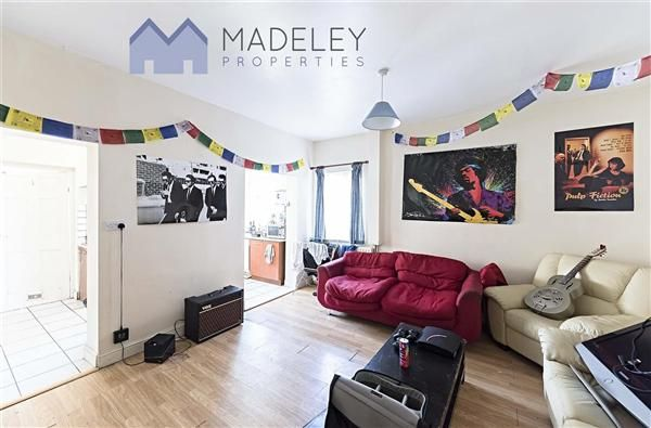 Thumbnail Property to rent in Overdale Raod, Ealing, Ealing